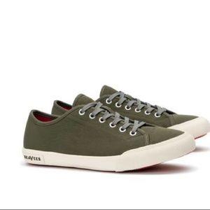 SeaVees Army Issue Low Sneaker Size 7